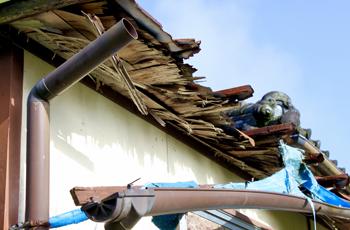 腐食した屋根