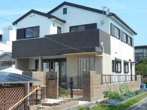 高い遮熱性・耐候性塗料を、屋根・外壁に!3色使いで、大変身。
