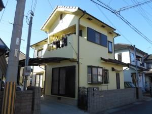 太子町 フッソ遮熱型塗料を屋根に…差し色のブラウンが引き締め、更に明るく。