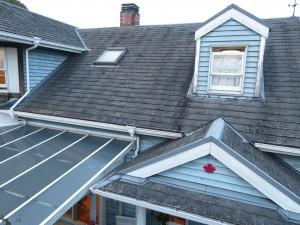 30年経過した屋根をこれから更に長く美観を長持ちさせるためにリクシルTルーフヴェルウッドに重ね葺き