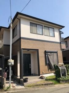 屋根は、遮熱塗料で快適な住空間・・壁は、つやあり仕上げに