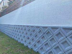 姫路市 コンクリートブロック塀の塗装で暗い印象から明るい印象へ!