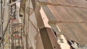 赤穂市 縦ラインがアクセント!外壁の歪み欠けを補修しブラウン×ホワイトに外壁塗装