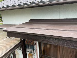 困っていた玄関庇の雨漏りを板金カバー工事で安心リフォーム 姫路